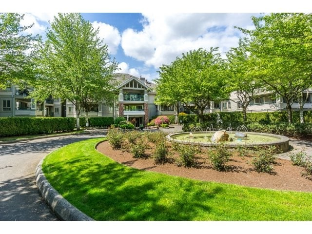 219 22015 48 AVENUE - Murrayville Apartment/Condo for sale, 2 Bedrooms (R2061369) #1