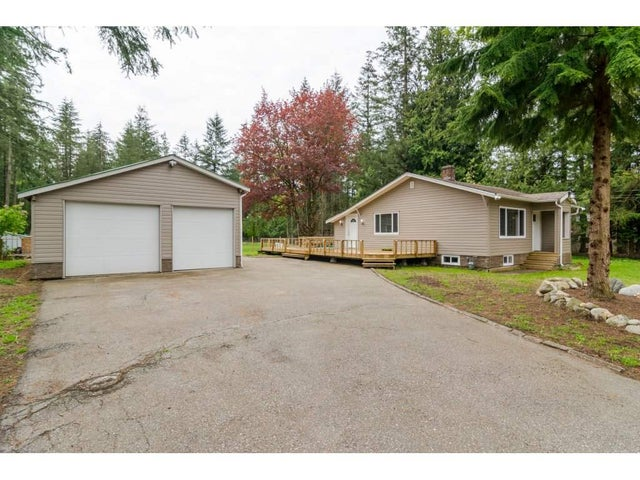 19894 24 AVENUE - Brookswood Langley House with Acreage for sale, 4 Bedrooms (R2164002) #1